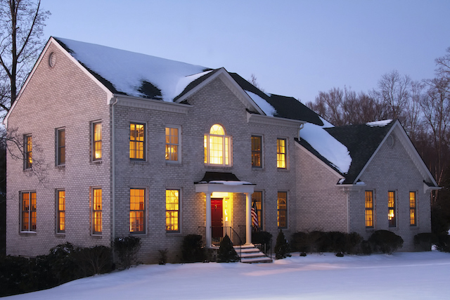 Pros and Cons of Custom Home Building in the Winter